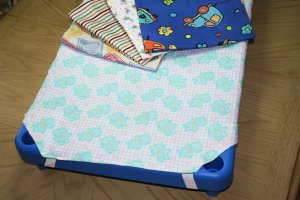 "Poly/Cotton Cot Sheet Toddler size 40""x23"" AL-808"